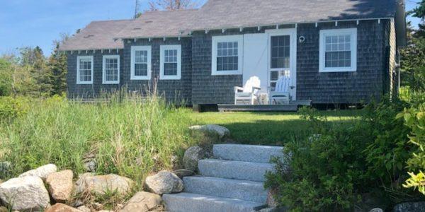 Photo: Exterior Front of Sunrise Cottage